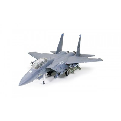 Tamiya 1/32 F-15E Strike Eagle with Bunker Buster